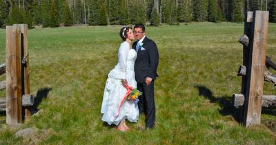Hannagan's Meadow bride and groom