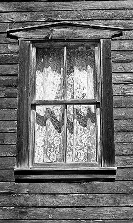 Golondrinas images - window