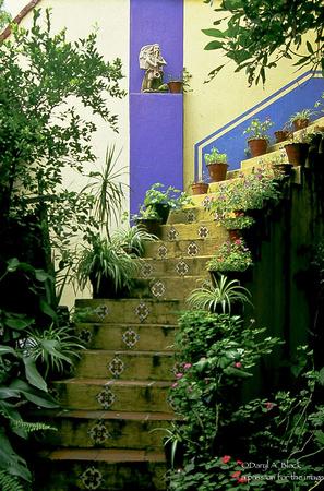 Tlaquepaque stairs
