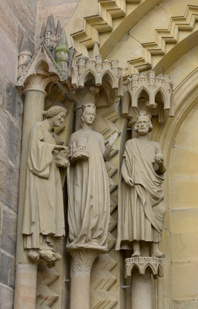 entrance carvings of Cunigunde and Heinrich II at Bamberg Cathedral